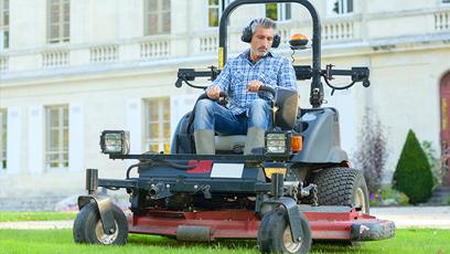 commercial lawn care burlington